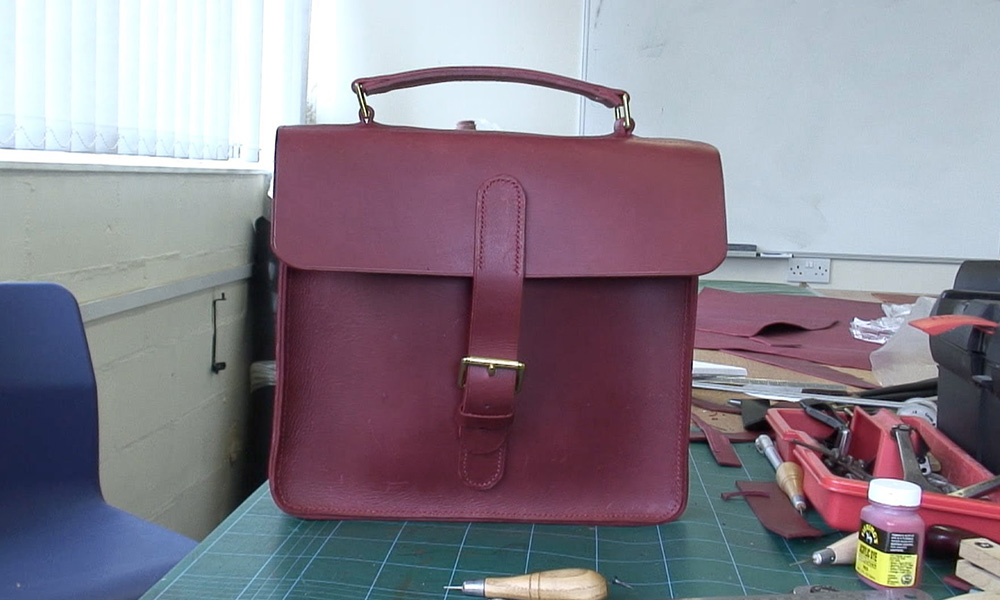 Does Your Old Leather Briefcase Need Repair? Bring it to Us For Betterment
