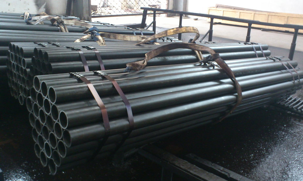 Steel Pipe Suppliers Providing Difference between Mild Steel and Stainless Steel