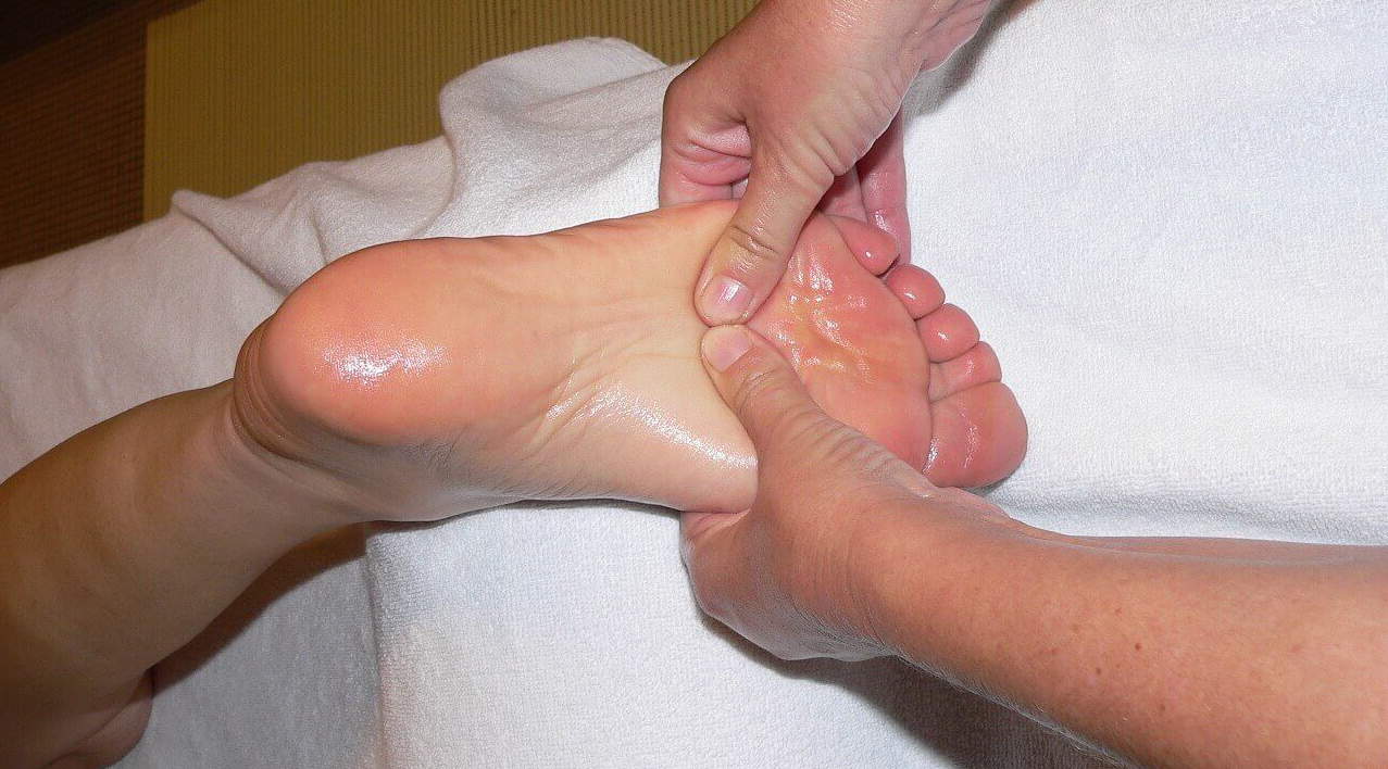 5 Surprising Benefits Of Foot Massage For Your Health