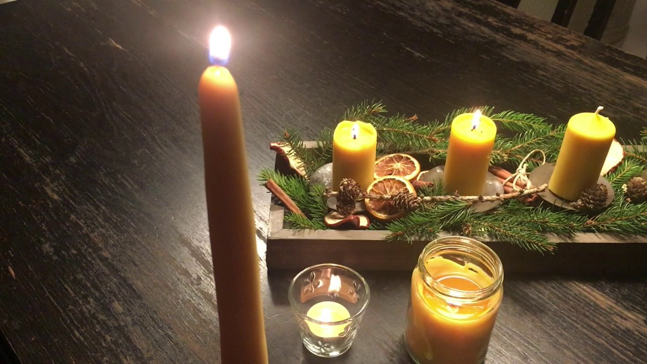 The Difference Between Beeswax Candle Sticks and Paraffin