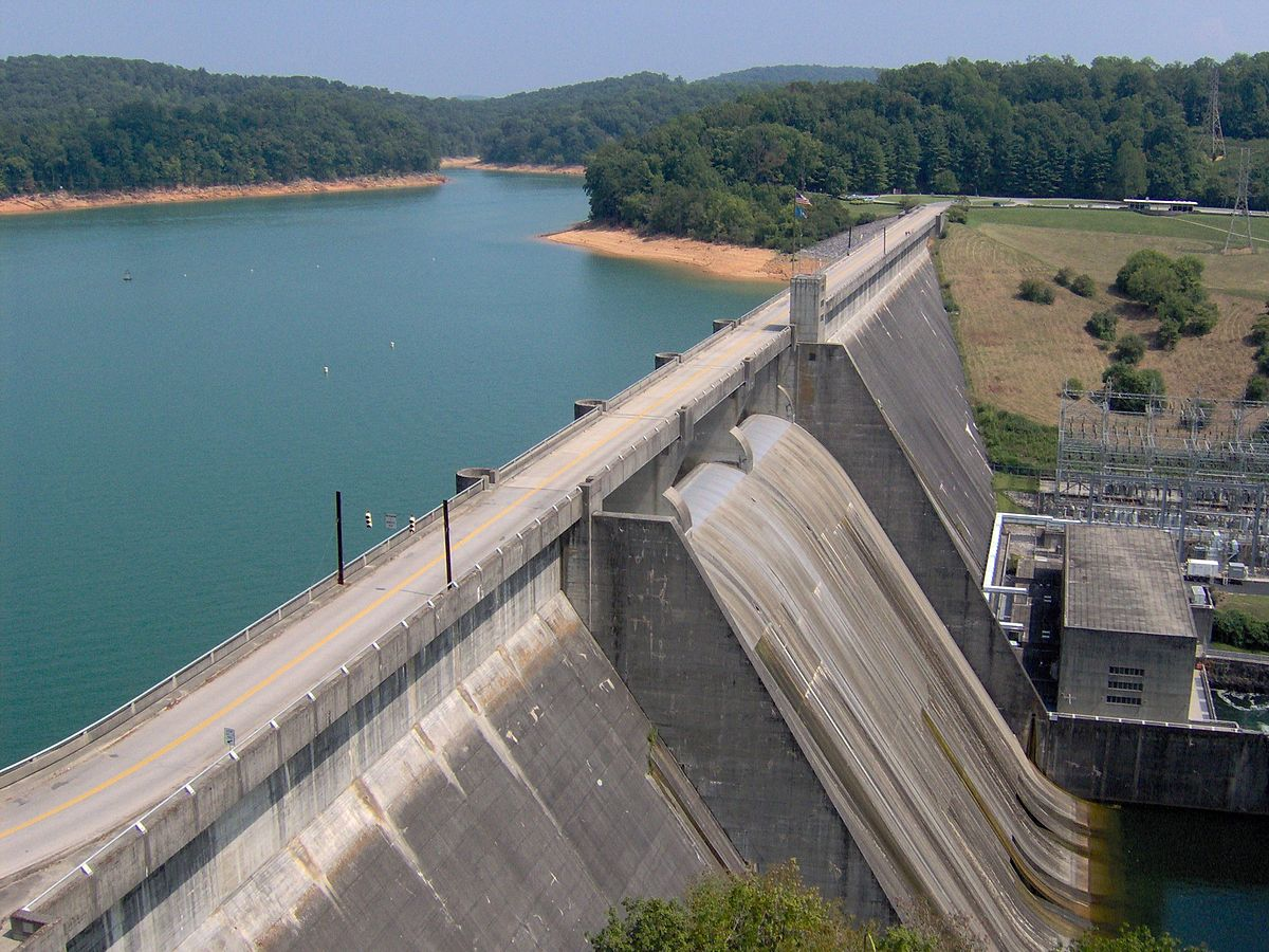 Hiking in Norris Dam State Park