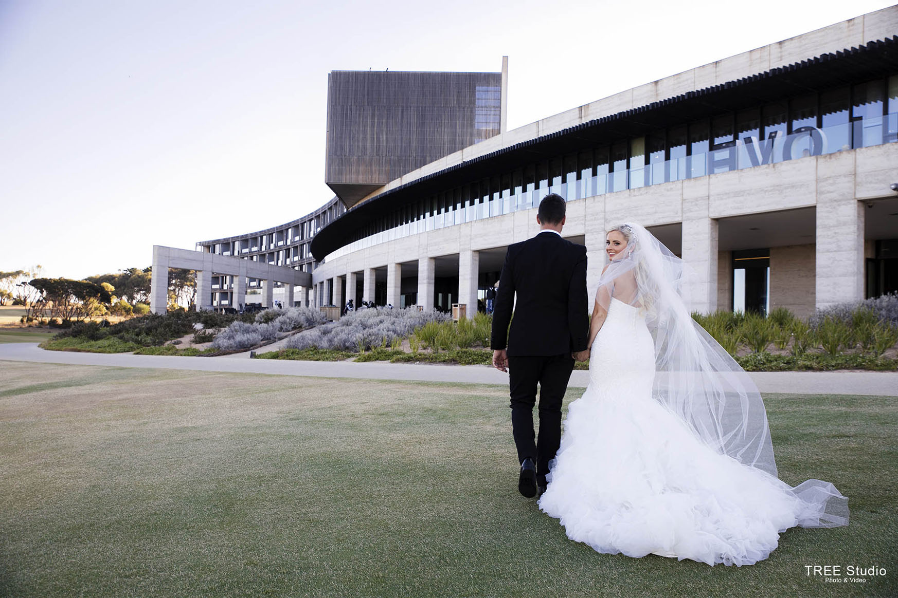 How Wedding Photographer worth the investment?