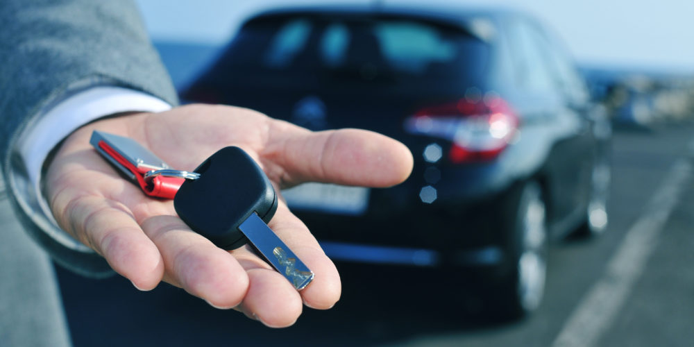 Grab the Amazing Car Rental Deal Online and Have A Safe Ride