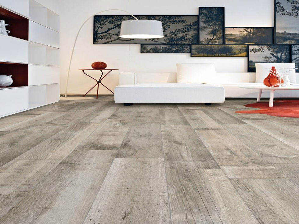 Grey wood porcelain tiles