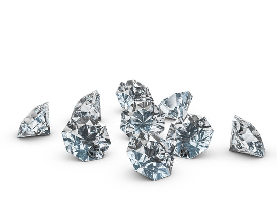 Natural Diamonds vs. Lab-Made Diamonds : What You Need To Know
