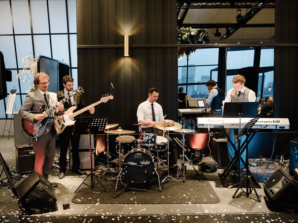 Hire Professional Corporate Band Melbourne to Get Thrilling Entertainment
