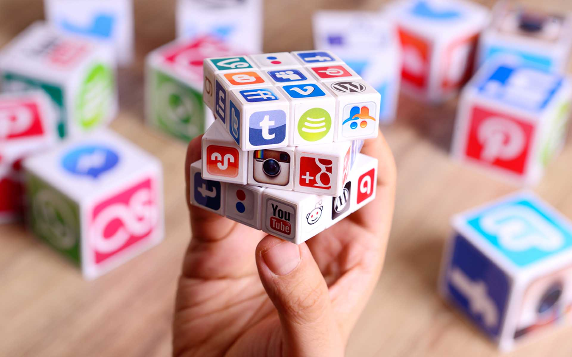 7 Tips on How to Engage Your Customers Through Social Media Strategy