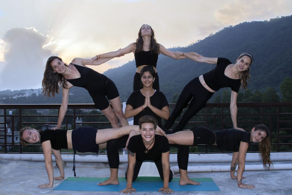 How Can Yoga Help to Gain Peace of Mind, Lose Weight, and Feel Good?
