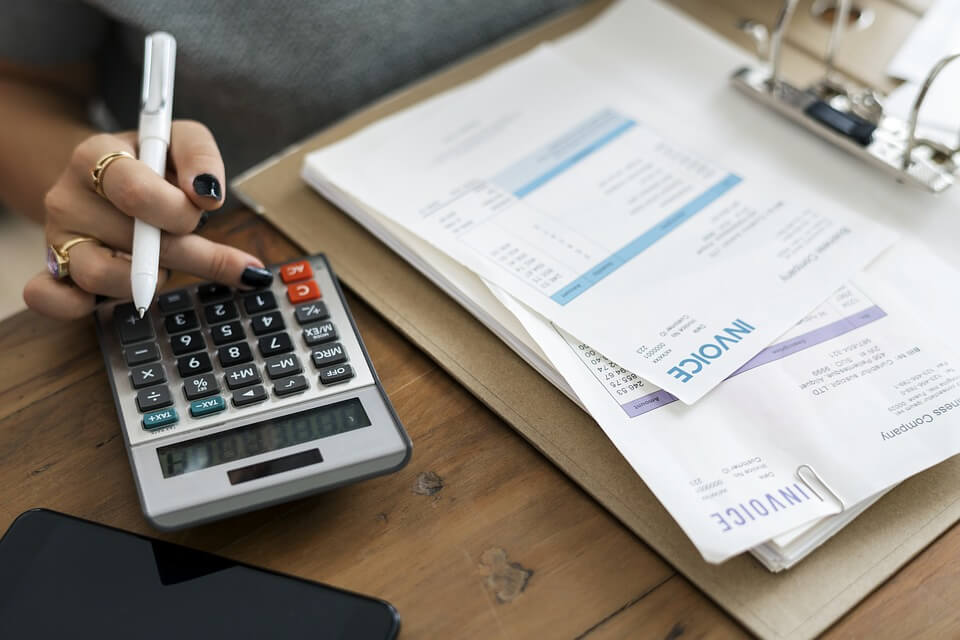 How To Choose The Right Payroll Service Provider For Your Business?
