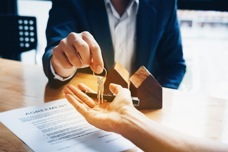 What is the Difference Between Homeowners and Landlord Insurance?