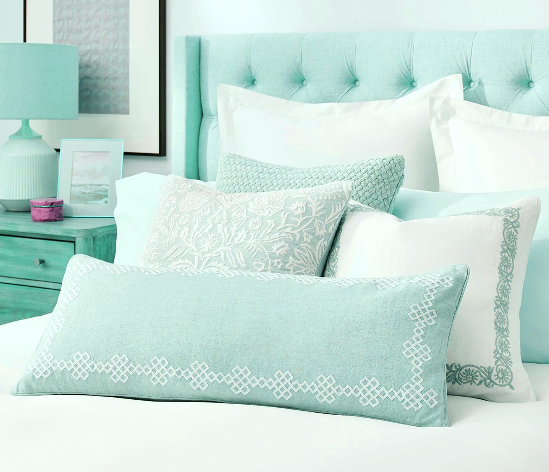 What's the Golden Rule About How Many Throw Pillows to Use?
