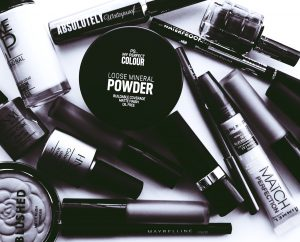 beauty-product-beauty-treatment-black-and-white-2537930