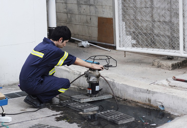 Expert Guide to Clearing and Relining Blocked Drains and Pipes