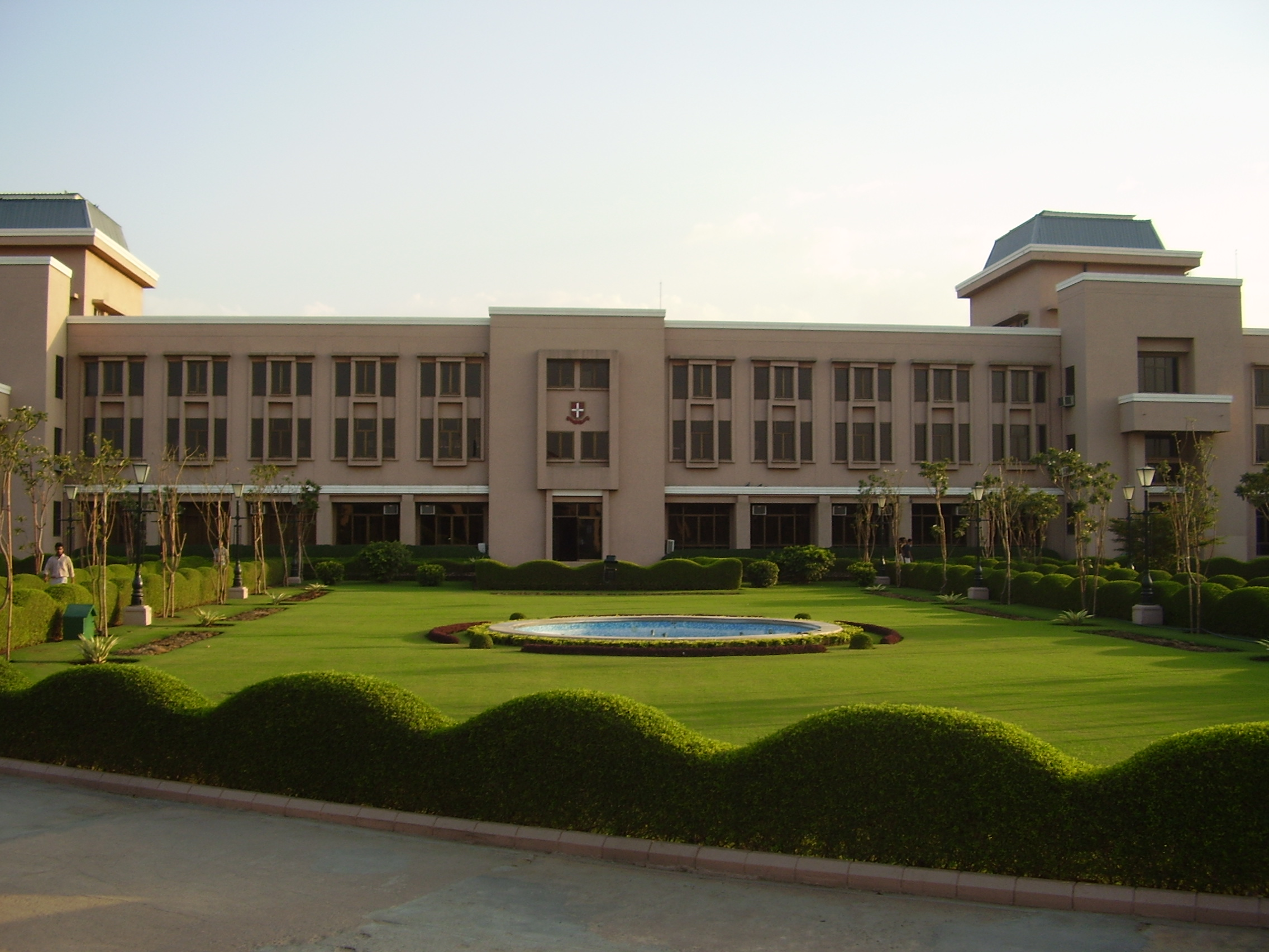 How Do You Know Which Top Business Schools In India For Executive MBA Is Right For You?