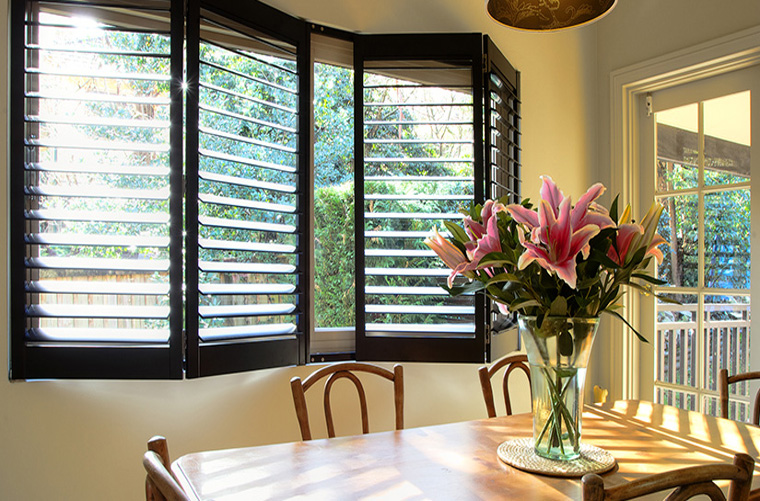Basics on Choosing Shutters Over Curtains