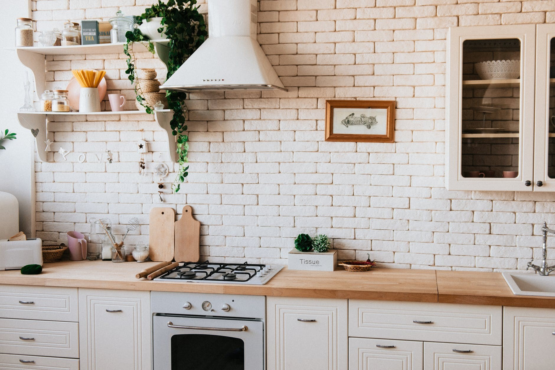 Join the Elite Club With These Chic Kitchen Decor Ideas
