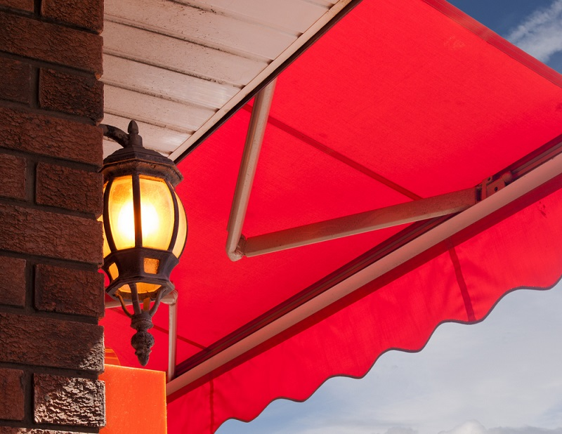 The Benefits of Folding Arm Awnings