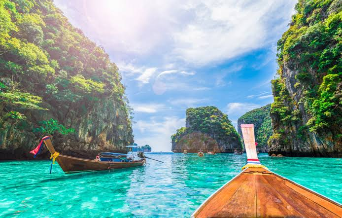 Are You Bored with your Routine life? Go backpacking Thailand!
