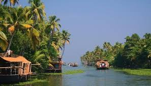 Stay with delight during this winter season in the best lake island resort of South India