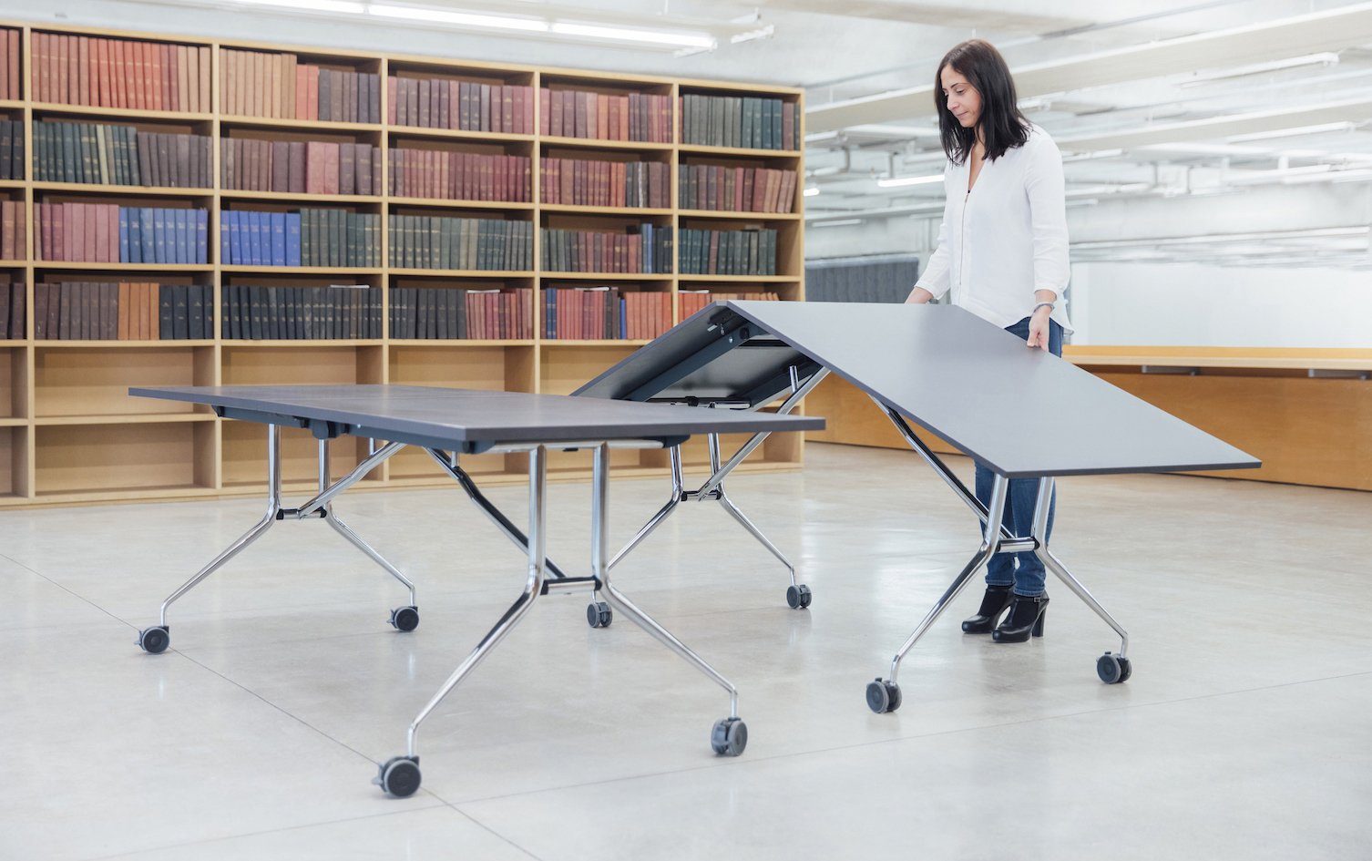 Various Reasons To Use Folding Table at Workplace Or Home