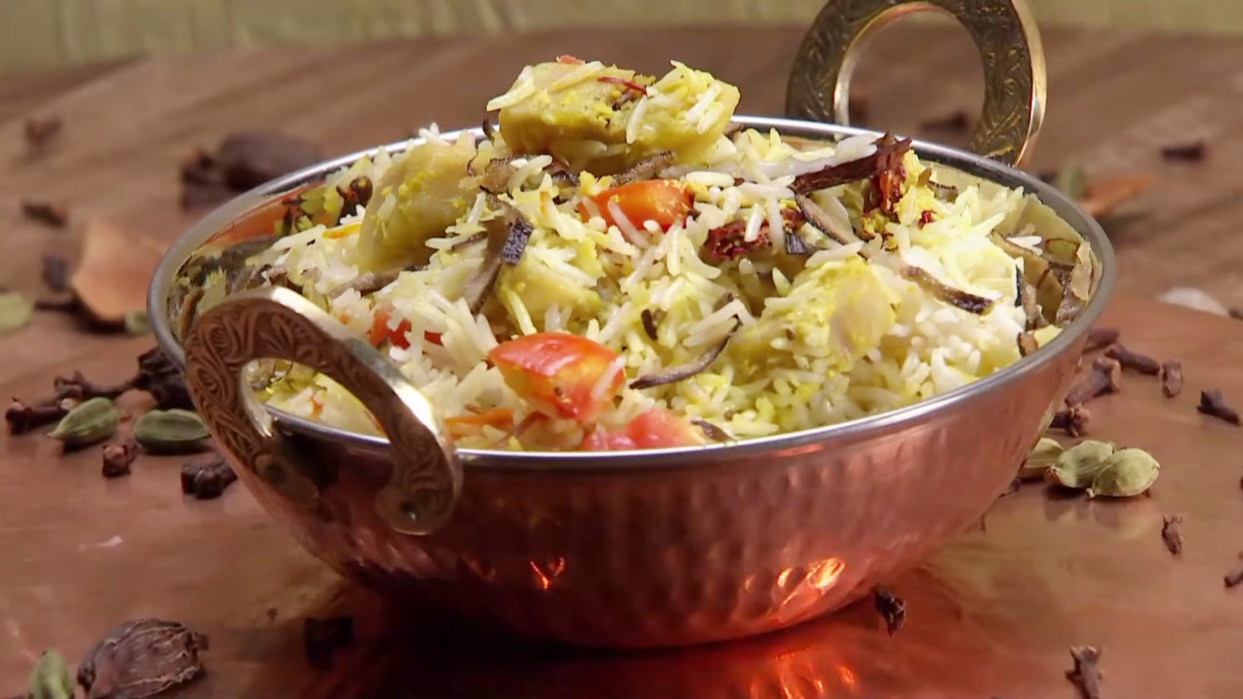 Learn The Authentic Recipe Of Chicken Biryani For A Finger- Licking Taste!