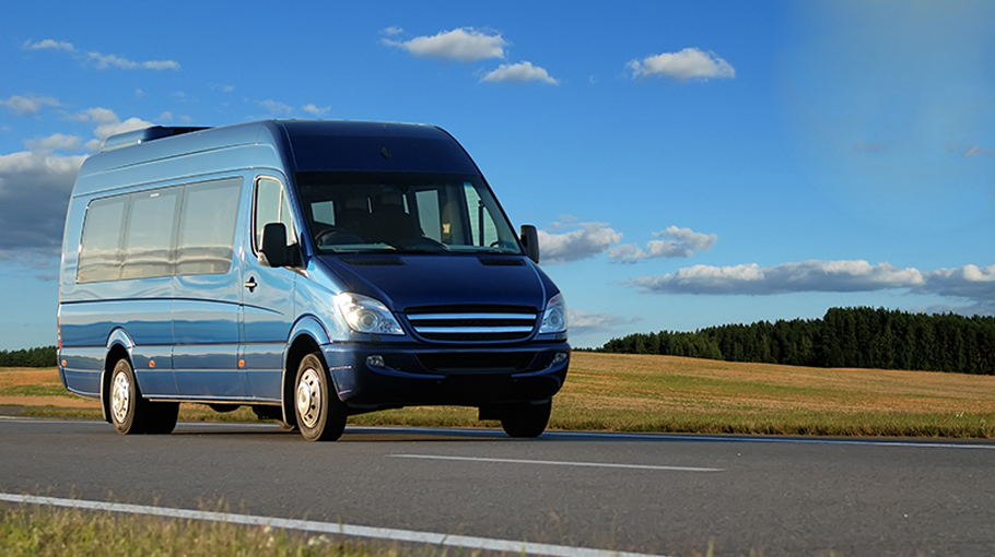 3 Exceptional Facts of Minibus Hire with Driver Services