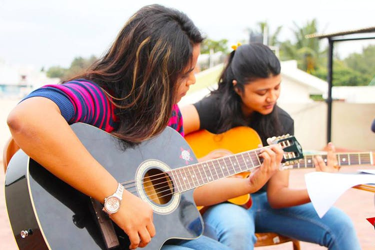 Guitar Coaching Institutes In Koramangala: A Guide For Budding Musicians!