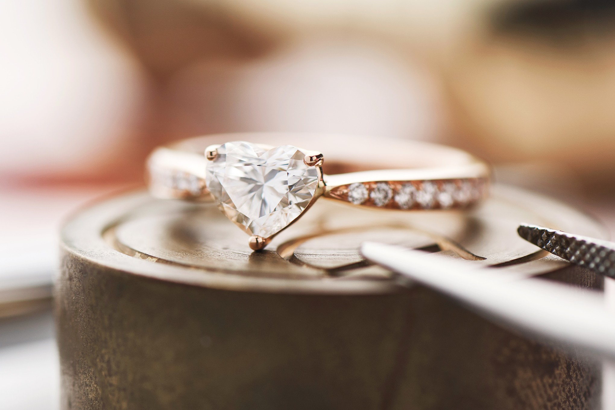 What The Aspects That Makes A Simple Ring To An Engagement Ring
