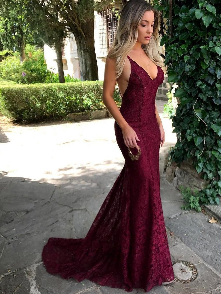 4 Places to Wear the Oh-So-Gorgeous Burgundy Prom Dresses in the Future