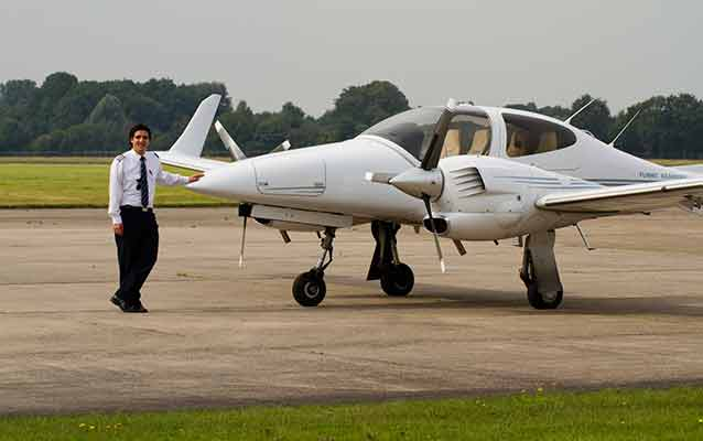 How To Select The Best Flying School?