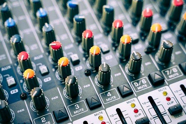 Stand Out and Hire an Audio-Visual Solutions Team for Your Event