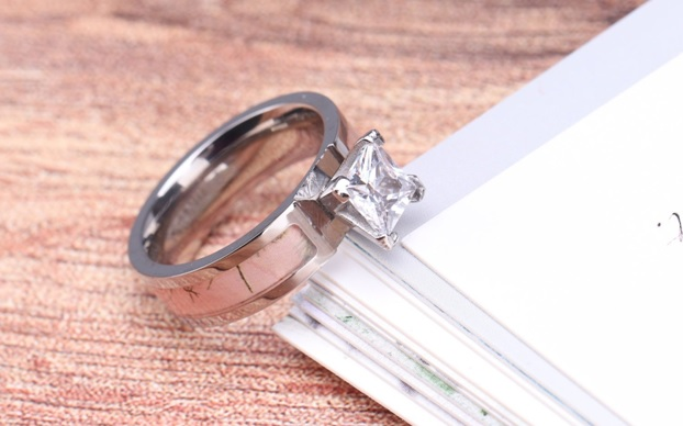 Camo Wedding Rings – The Best Rings to Propose Your Partner With