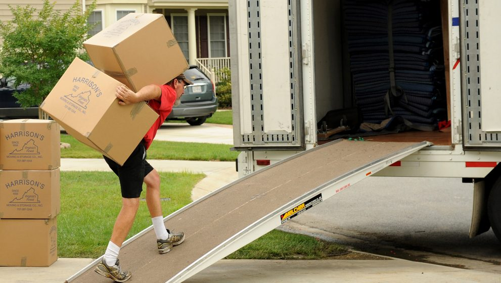 Difference in DIY Moving and Professional Movers