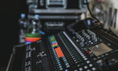 An audio mixer that you need to move when moving out of your LA music studio.