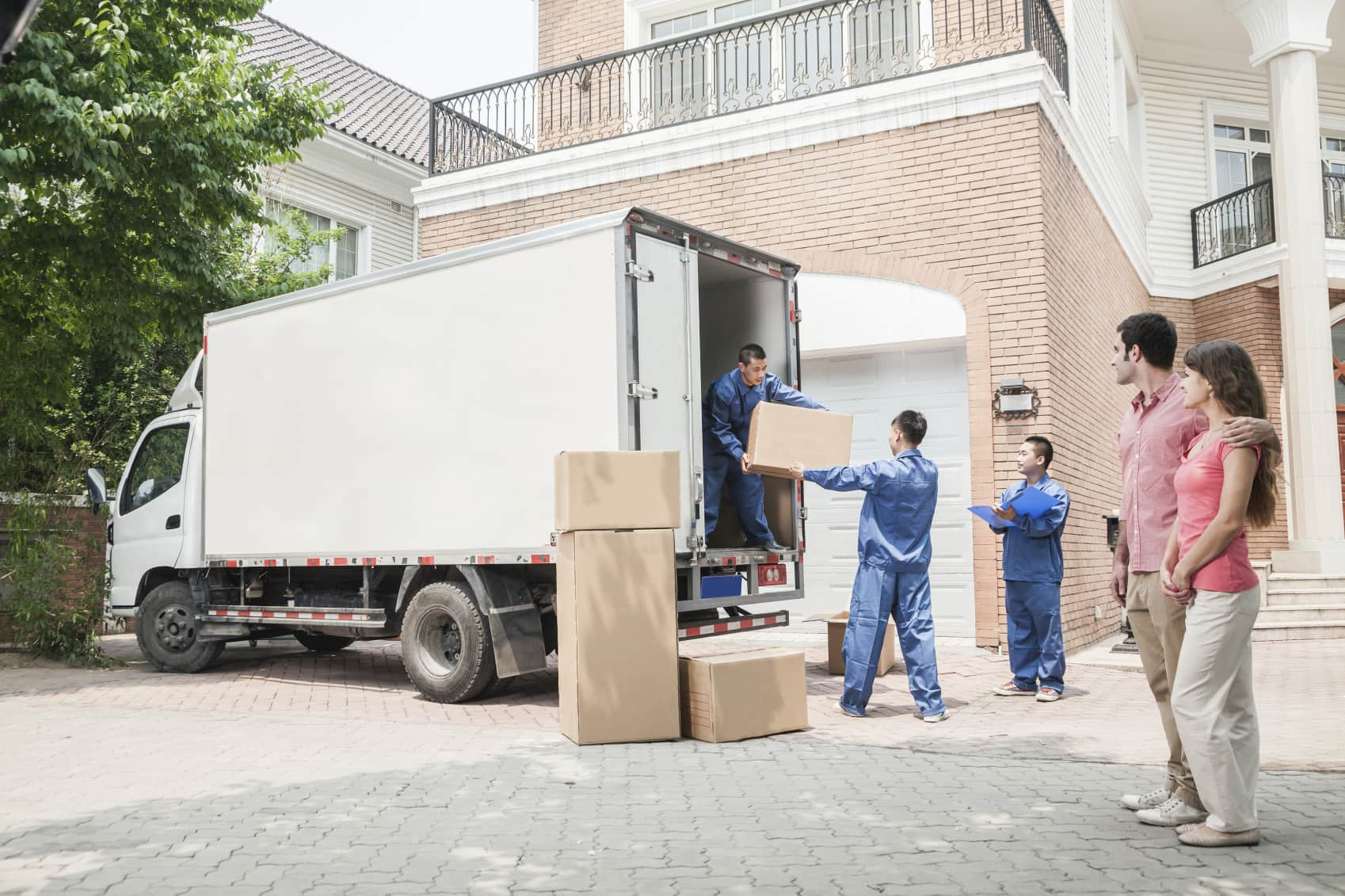 Tips to Hire a Removalists Wollongong to Shift Office