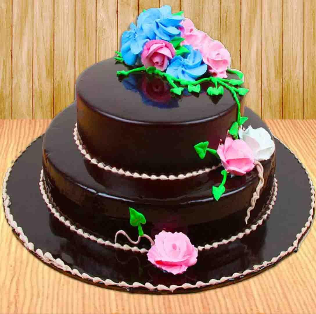 Buy Lip-Smacking Cakes From The Online Gift Store