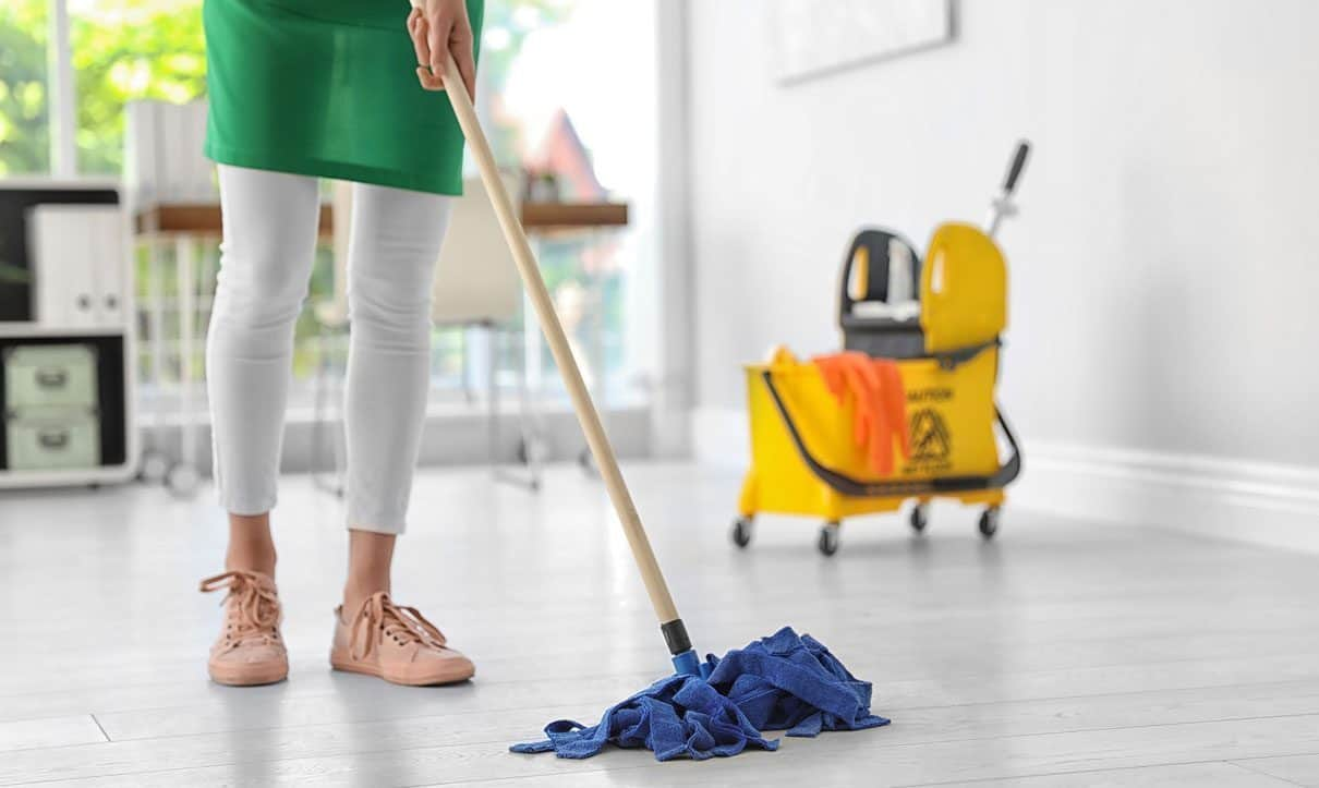 Advantages Of Hiring Professionals For Your Bond Cleaning Brisbane