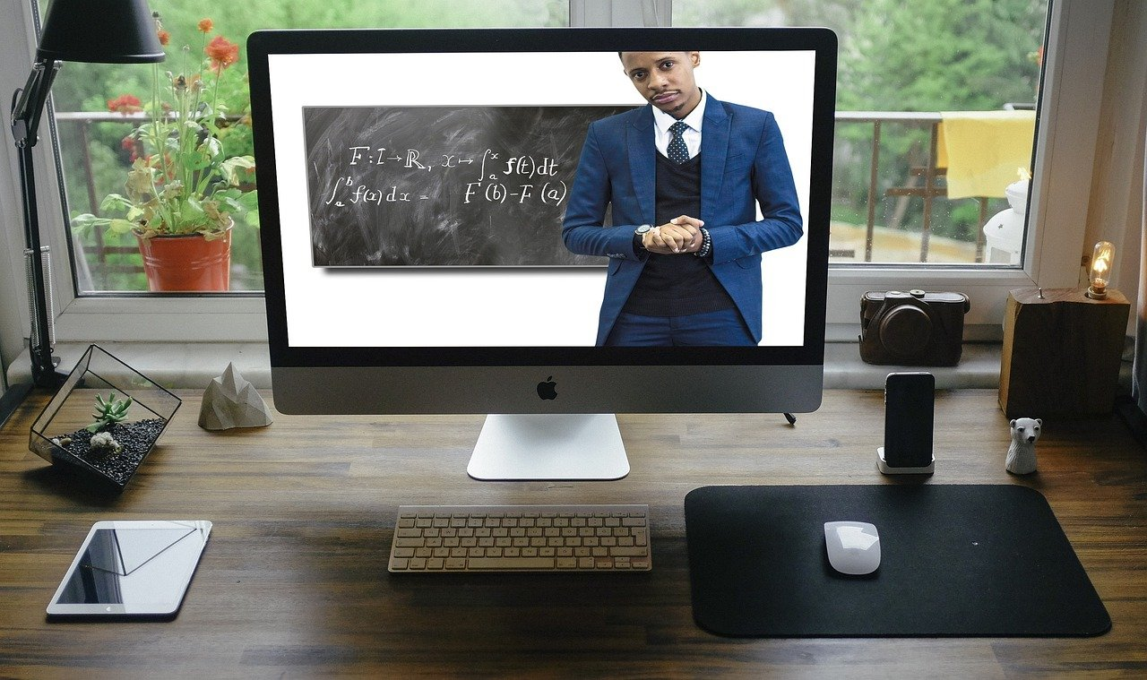 Why More Schools are Adapting to Online School Work?