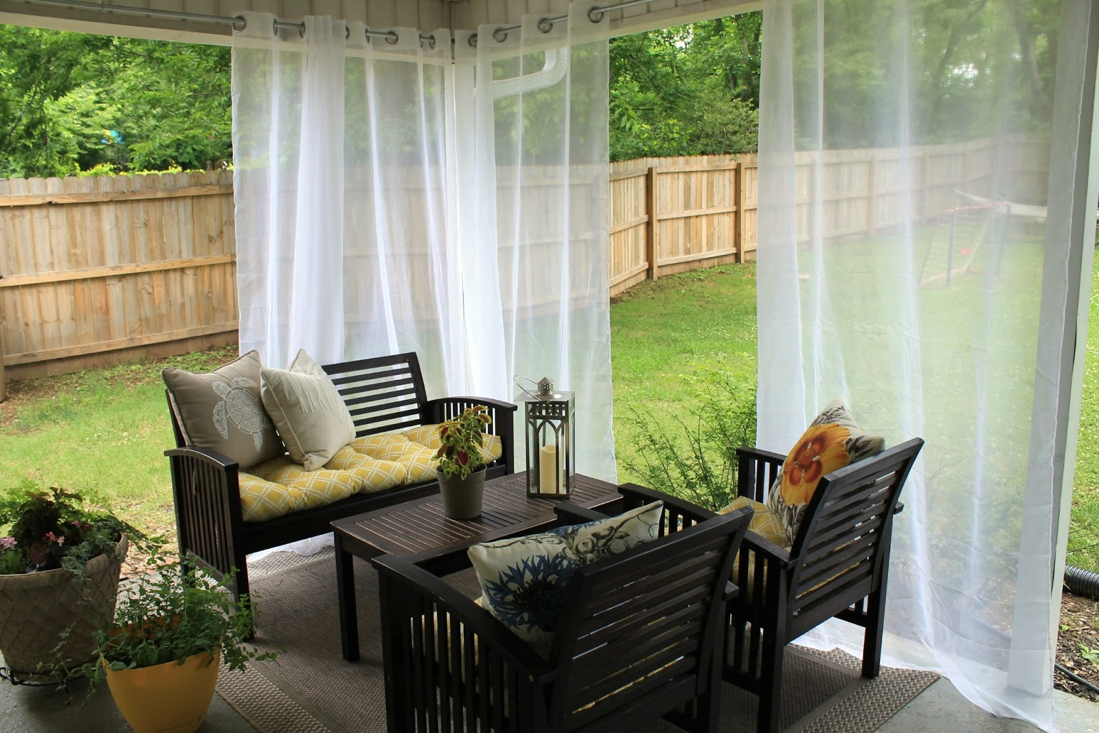 Explore the Different Fabrics for Outdoor Curtains to Know What Is Best for Boosting Your Overall Home Décor