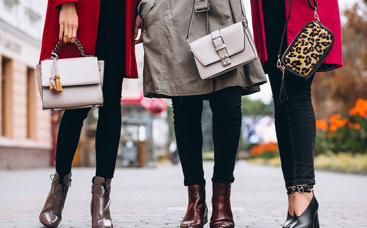 Different types of Crossbody and Handbags that you need