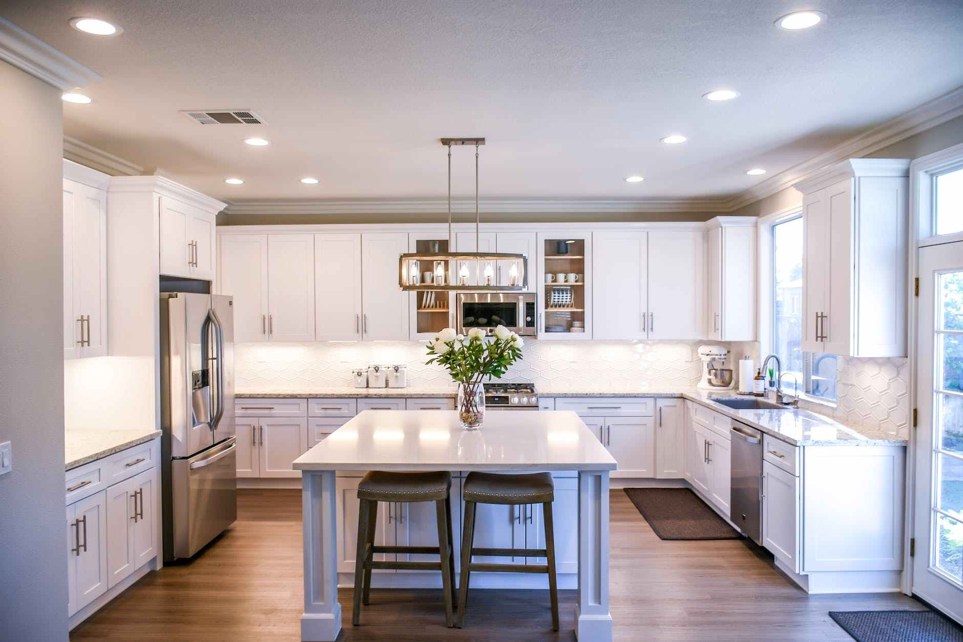 Things to Consider While Choosing a Reliable Home Painting and Cabinet Restoration Company