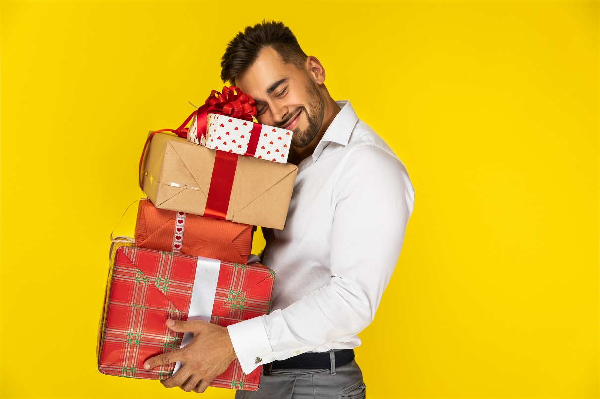 5 Best Ideas to Send Birthday Gifts For Brother