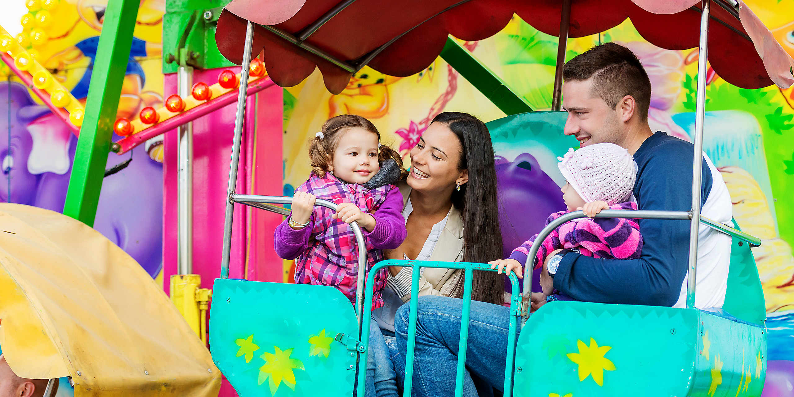 Enjoy Theme Park Rides With Your Kids!
