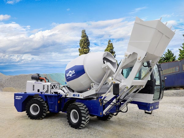 Advice For Buying A Mobile Self-Loading Concrete Mixer