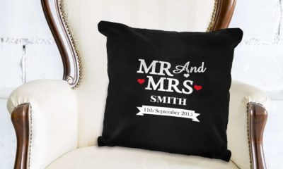 Give Personalised Gifts To Bride And Groom